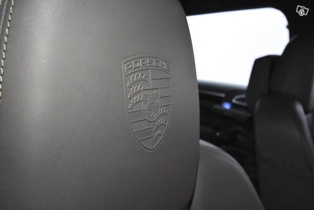 Porsche CAYENNE S E-HYBRID F 24