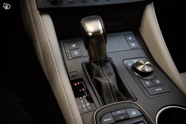Lexus RC 20