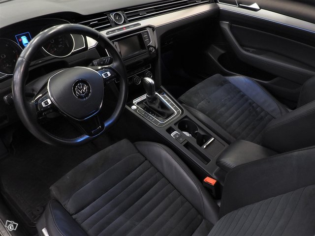 Volkswagen Passat 10