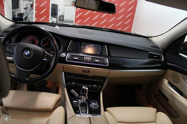 BMW 530 11