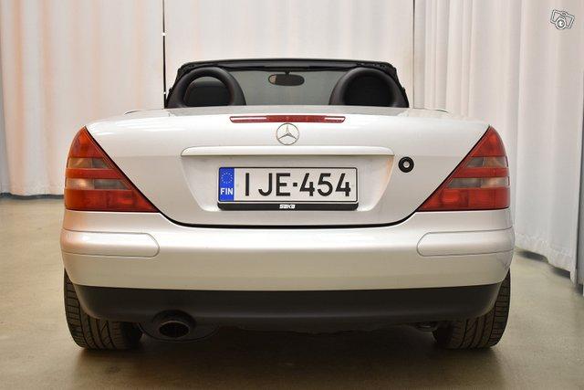 Mercedes-Benz SLK 10