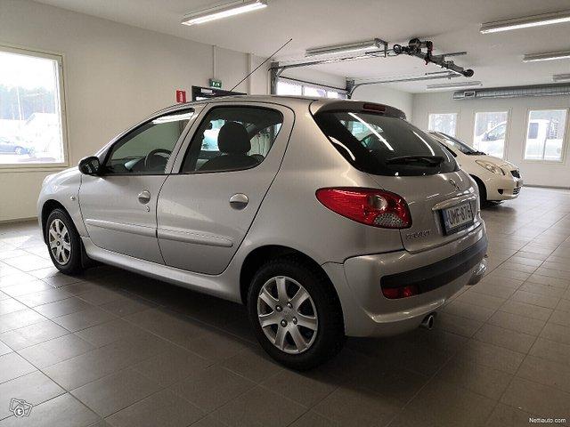 Peugeot 206+ 3