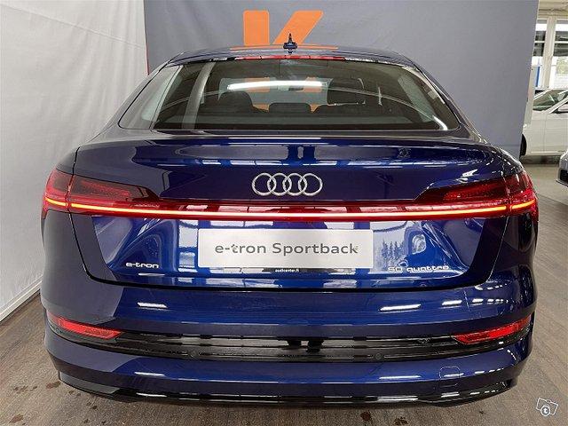 Audi E-tron 6