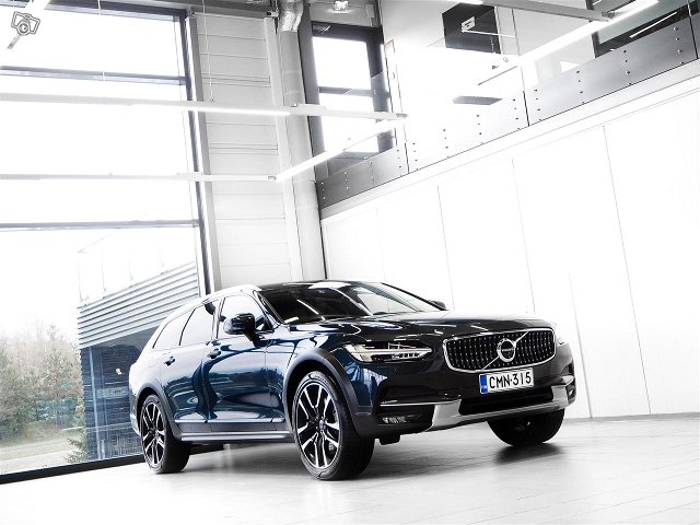 Volvo V90 Cross Country 1