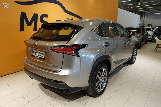 Lexus NX 6