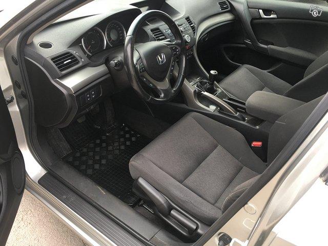 Honda ACCORD 2.2 I-Dtec Elegance 6