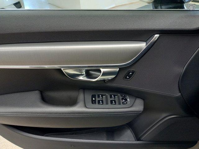 Volvo S90 17