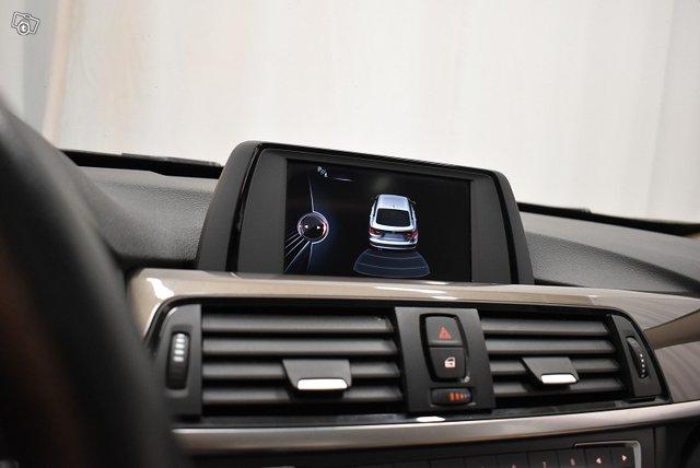 BMW 318 Gran Turismo 22
