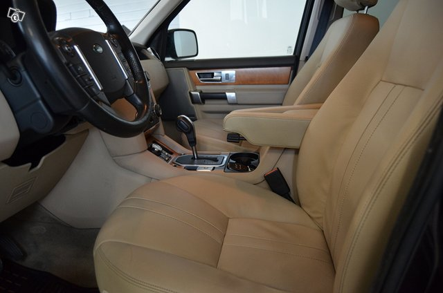 Land Rover Discovery 12