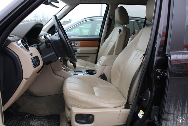 Land Rover Discovery 21