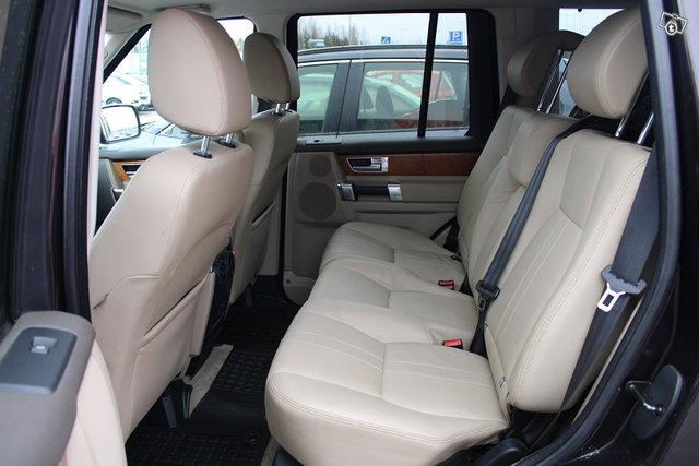 Land Rover Discovery 22
