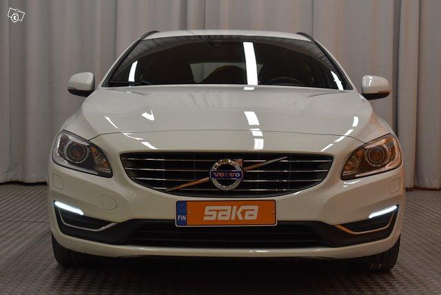 Volvo V60 4