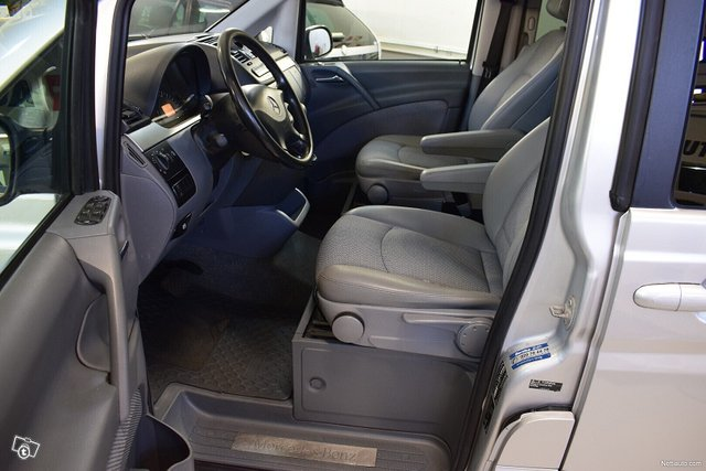 Mercedes-Benz Viano 8