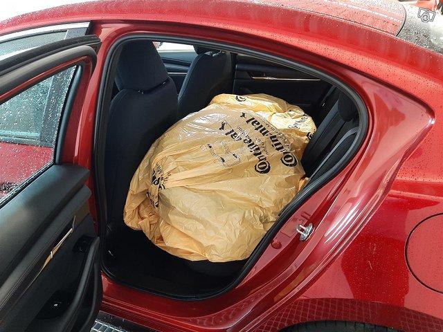 Mazda Mazda3 11