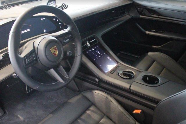 Porsche Taycan 4