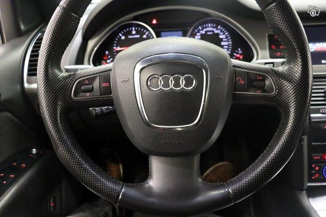 Audi Q7 14