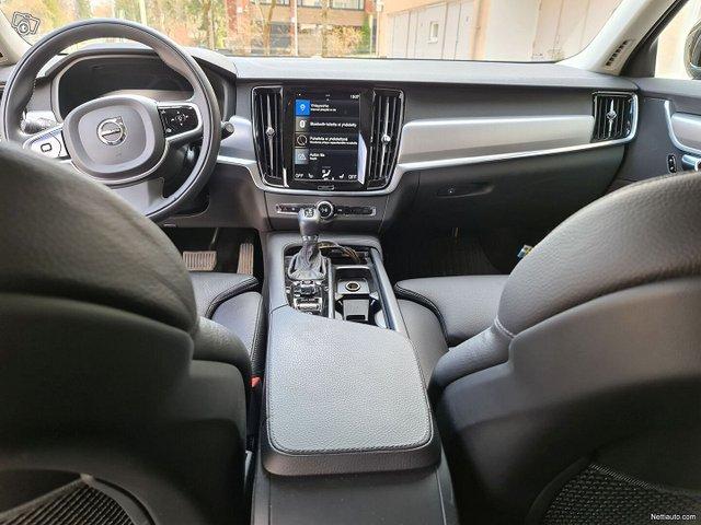 Volvo V90 19