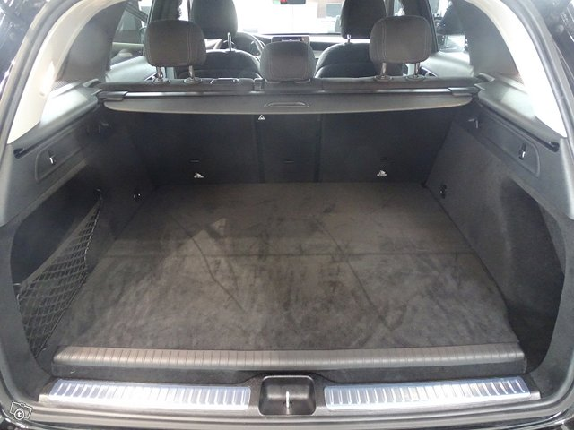 Mercedes-Benz GLC 9