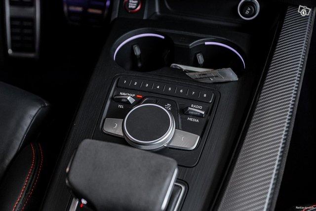 Audi RS4 16