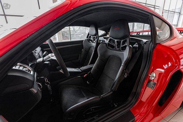Porsche Cayman 11