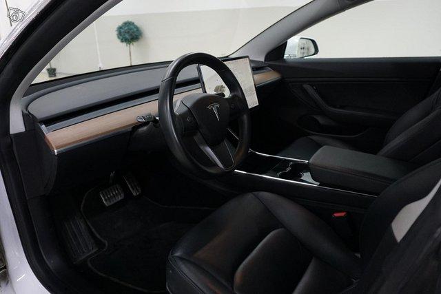 Tesla Model 3 11