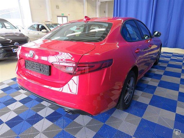 Alfa Romeo Giulia 4