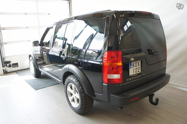 Land Rover Discovery 9
