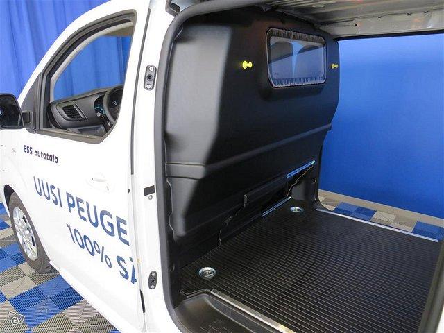 Peugeot E-Expert 7