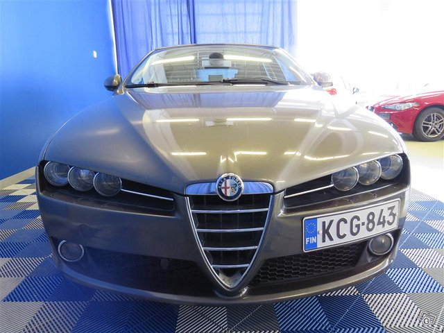 Alfa Romeo 159 6
