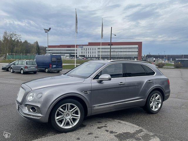 Bentley Bentayga Hybrid 2
