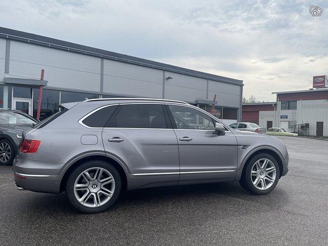 Bentley Bentayga Hybrid 3