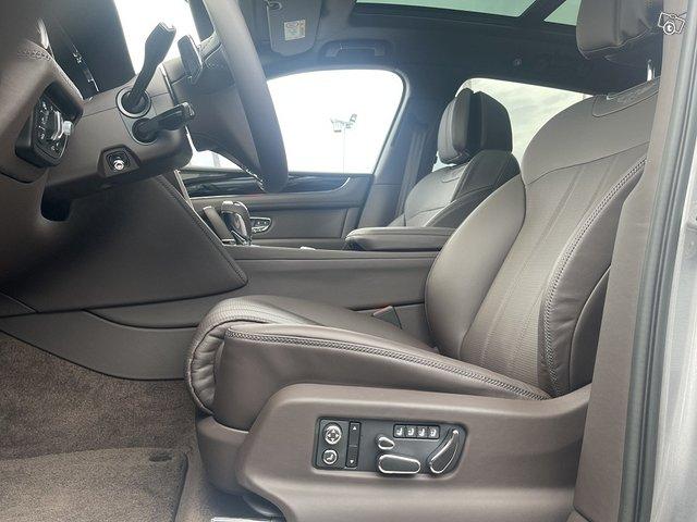 Bentley Bentayga Hybrid 10
