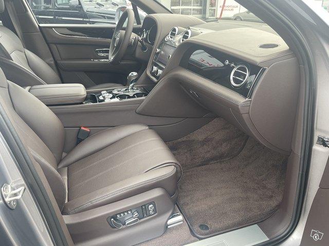 Bentley Bentayga Hybrid 11
