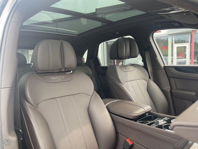 Bentley Bentayga Hybrid 12