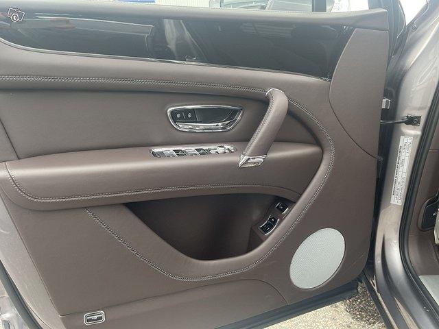 Bentley Bentayga Hybrid 14