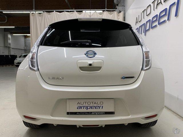 Nissan Leaf 7