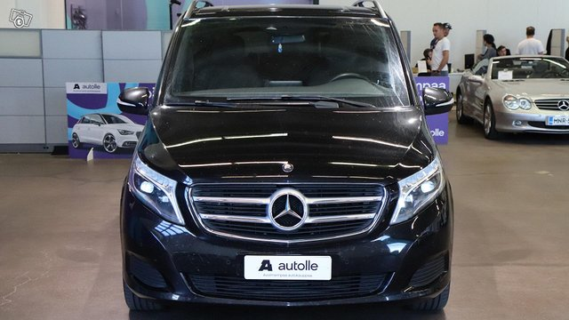 Mercedes-Benz V 4