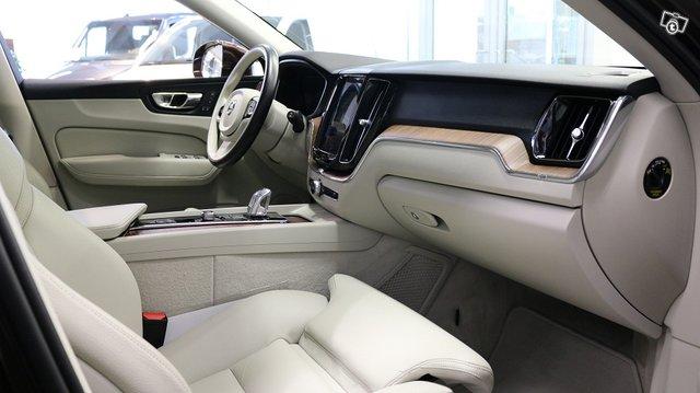 Volvo XC60 10