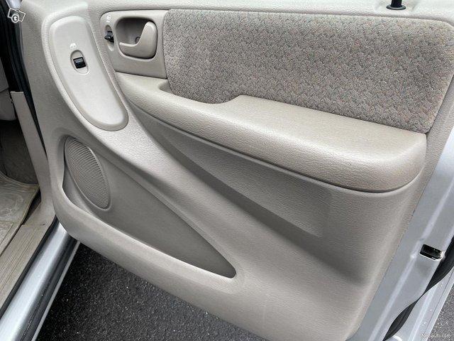 Chrysler Voyager 18