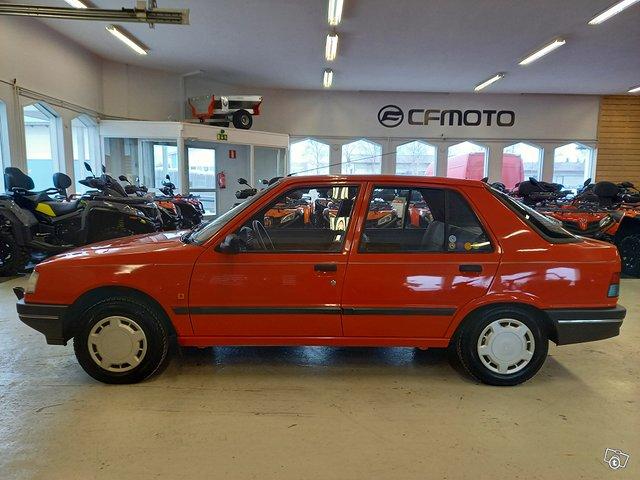 Peugeot 309 2