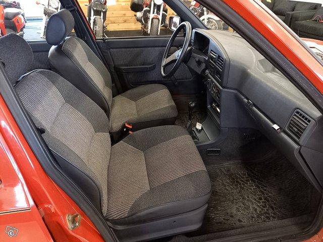 Peugeot 309 7