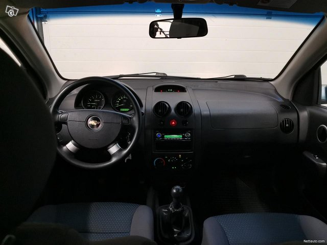 Chevrolet Kalos 13