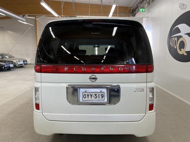 Nissan Elgrand 4