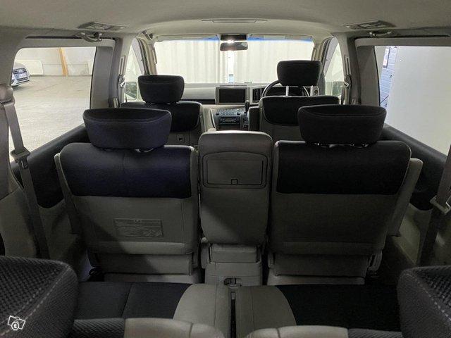 Nissan Elgrand 9