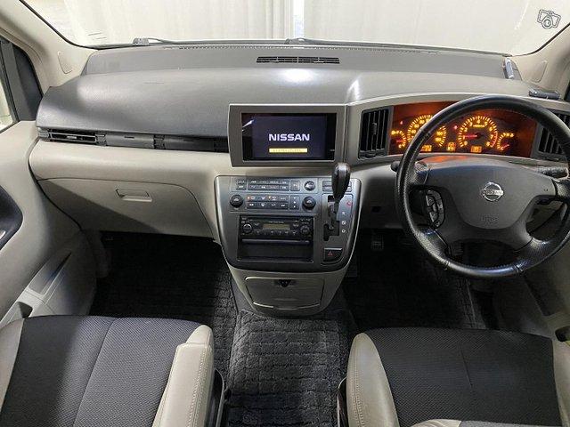 Nissan Elgrand 12