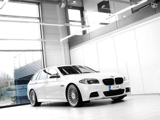 BMW M550