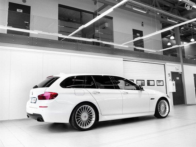 BMW M550 4