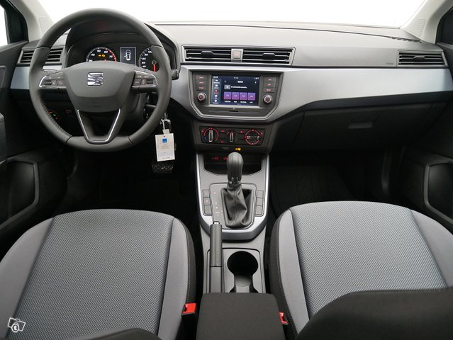 Seat Arona 5