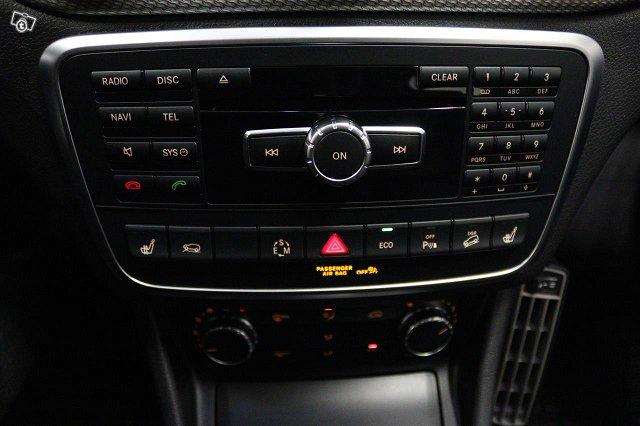 Mercedes-Benz GLA 10