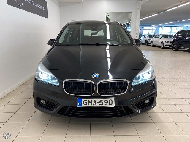 BMW 220 6